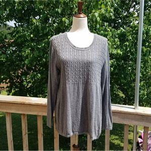 Large Daisy Fuentes Grey Sweater